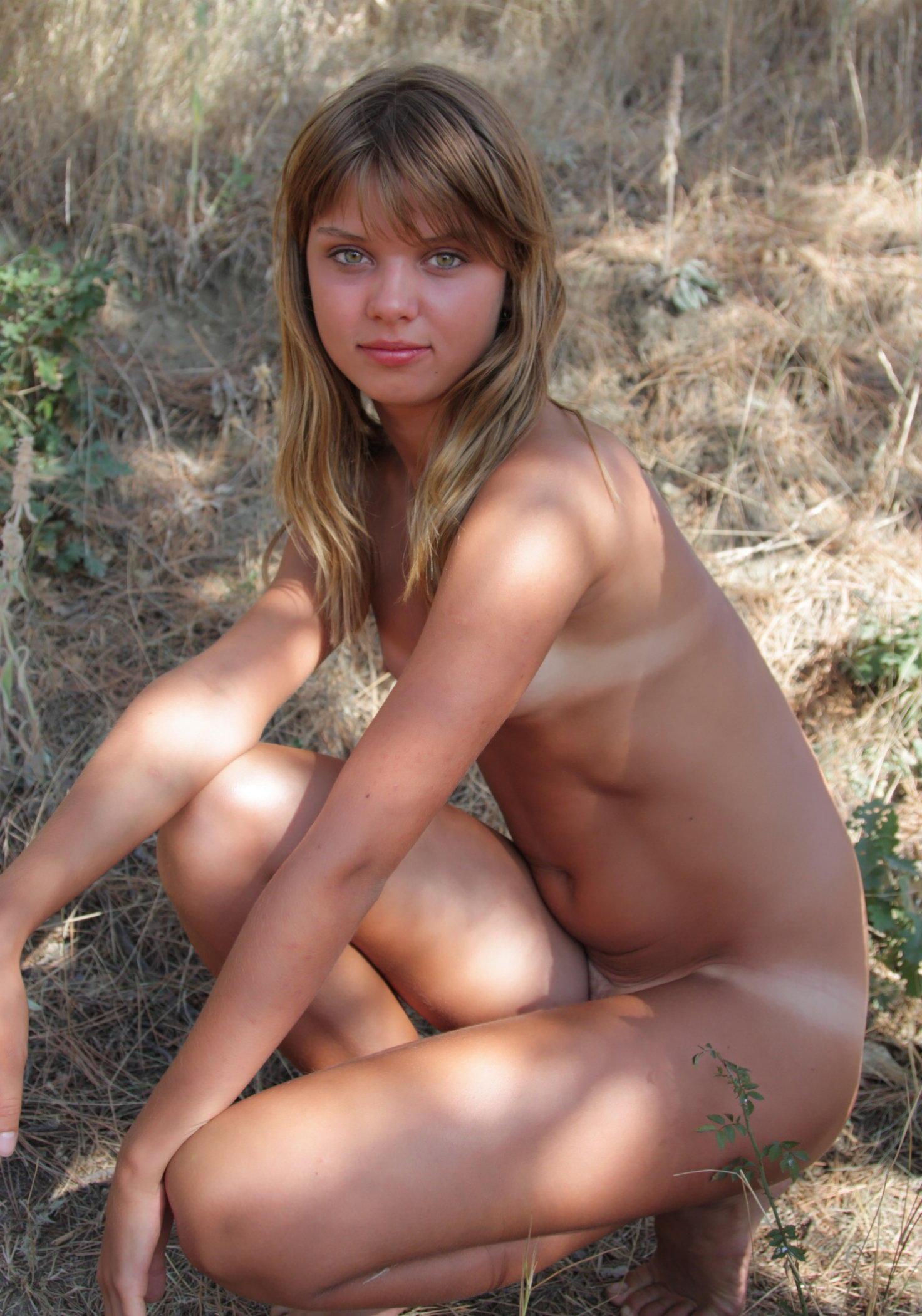 Фото девушек 18 лет голышом 5 фотография