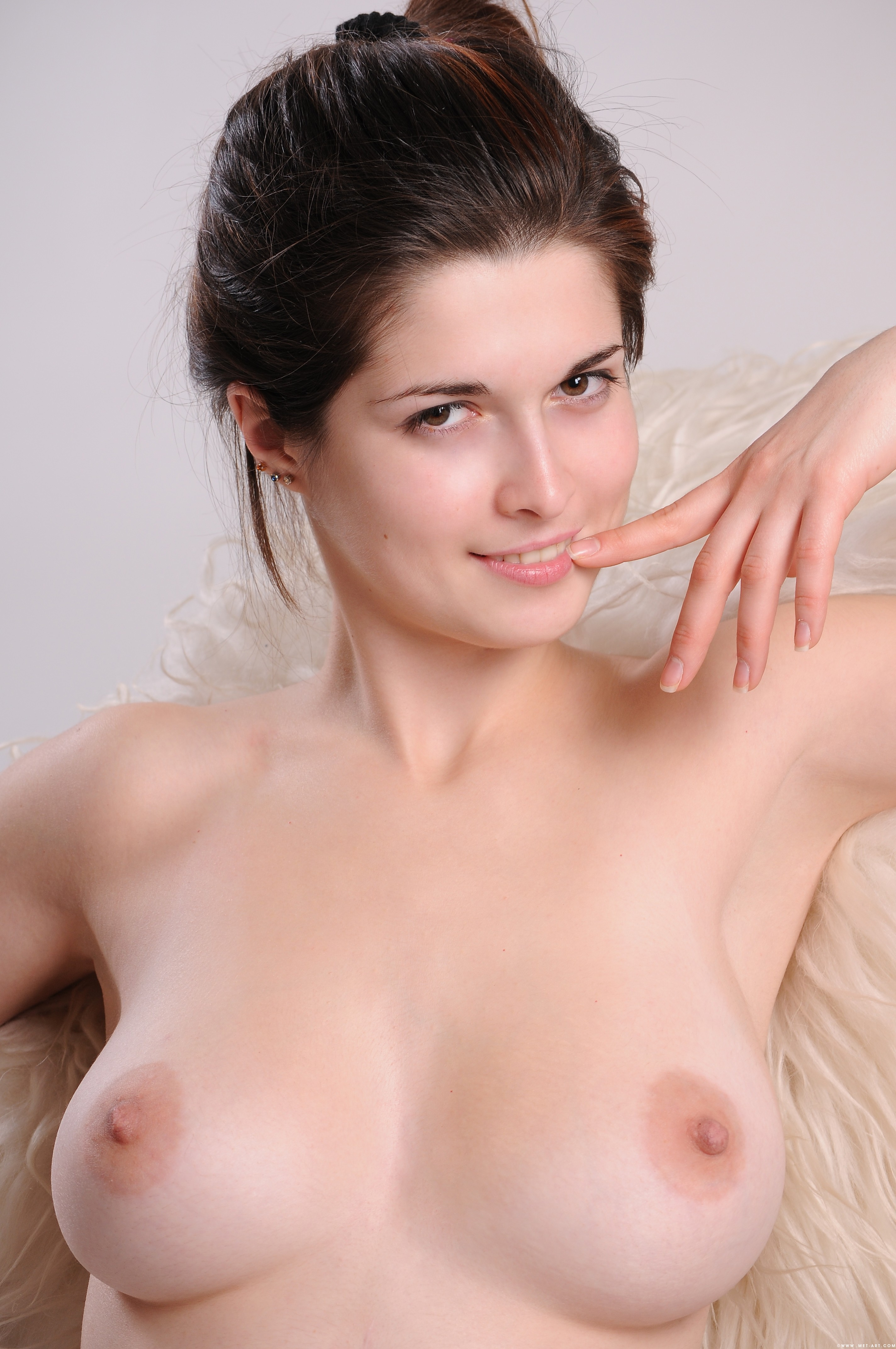 turboimagehost.com imagesize:960x144piss porn 1 MET ART KOI 1 0090