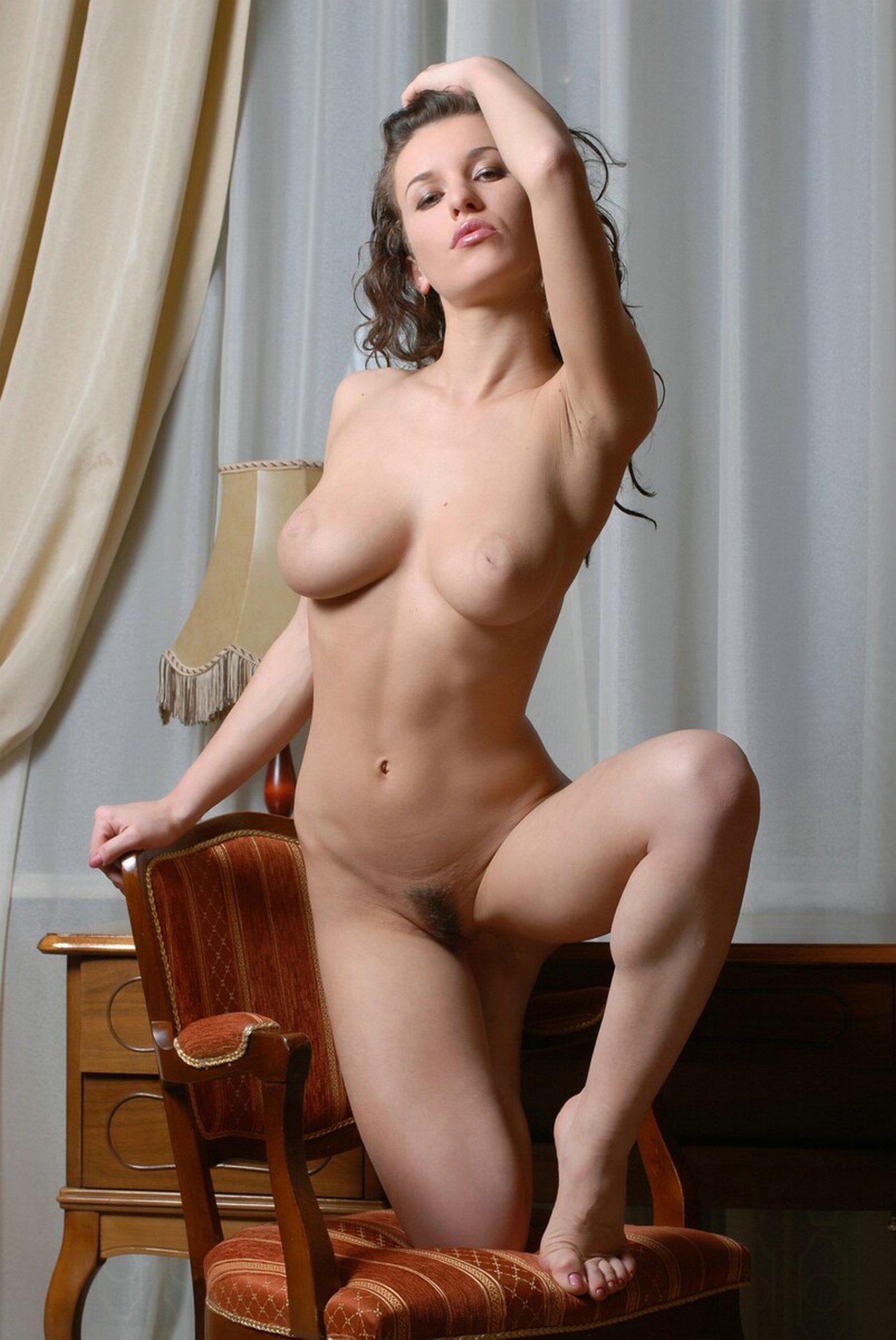 Русская эмилия порно 5 фотография