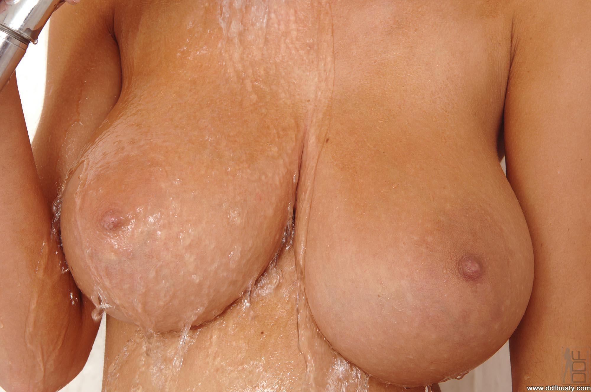 Чат девушек с большой грудью 14 фотография