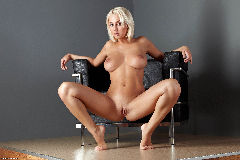 Фото порно фото брутальной блондинки с большой грудью