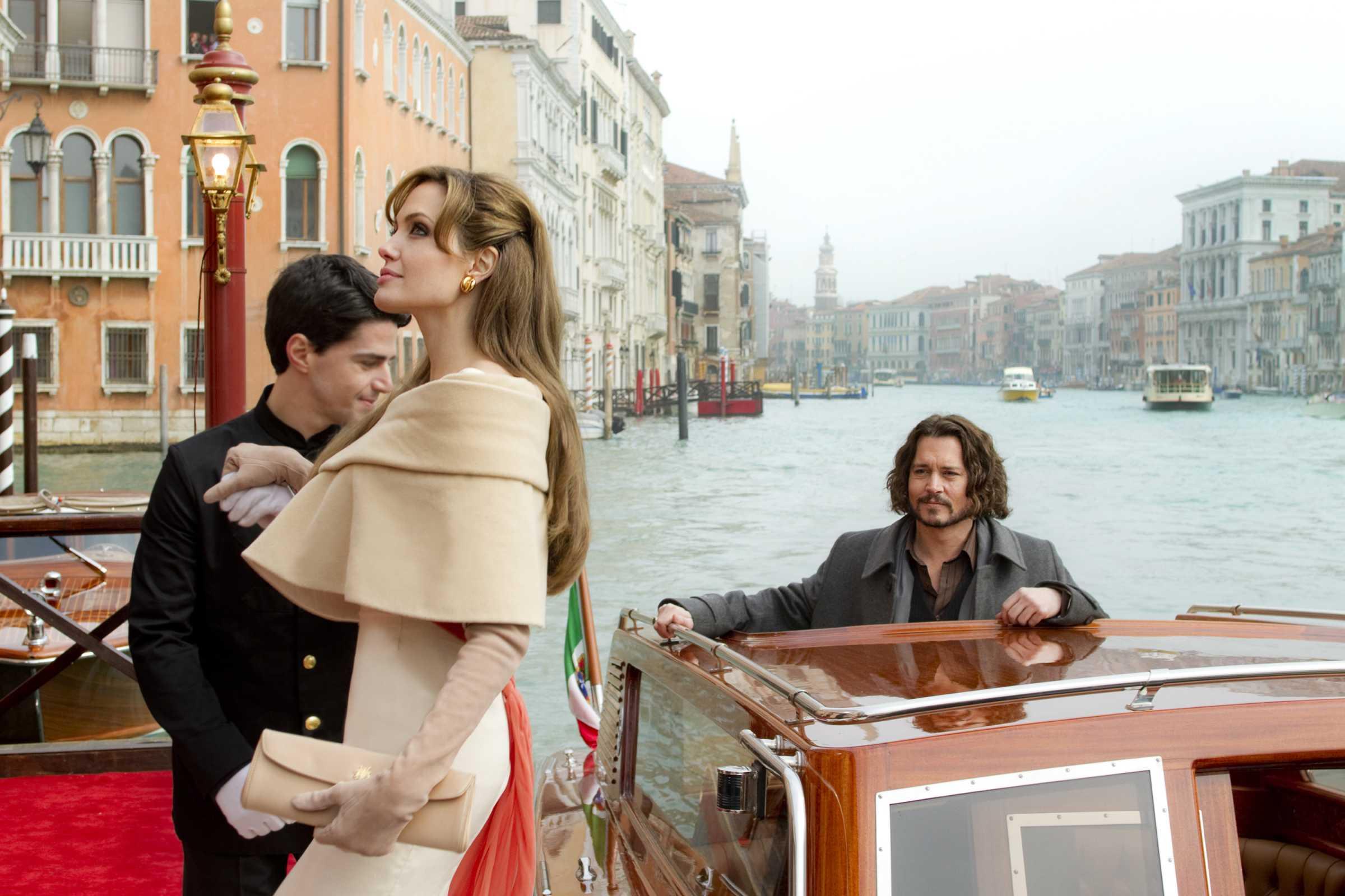 2010 the tourist 001