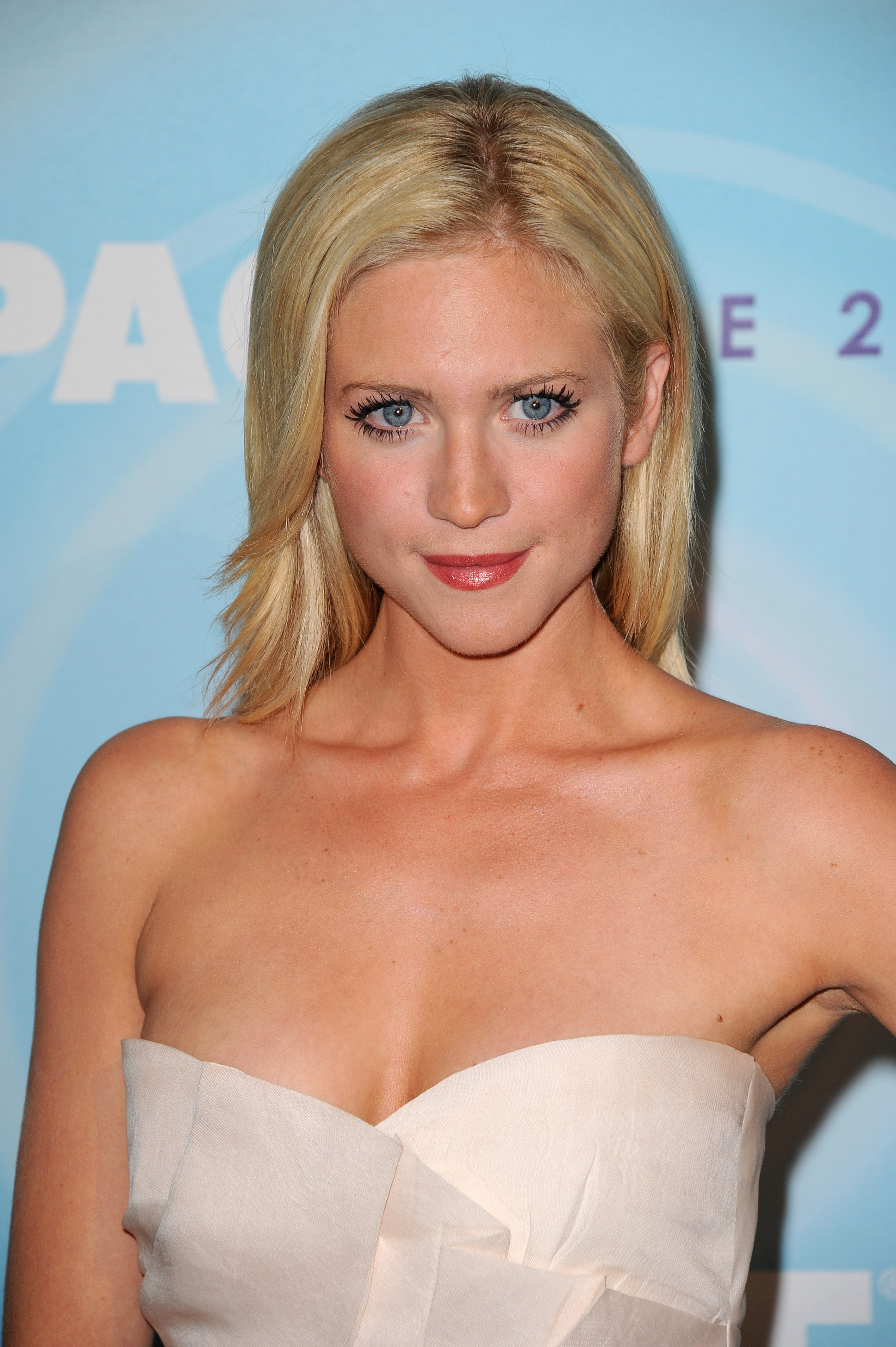Brittany Snow Crystal Lucy Awards 11 J 0001 009