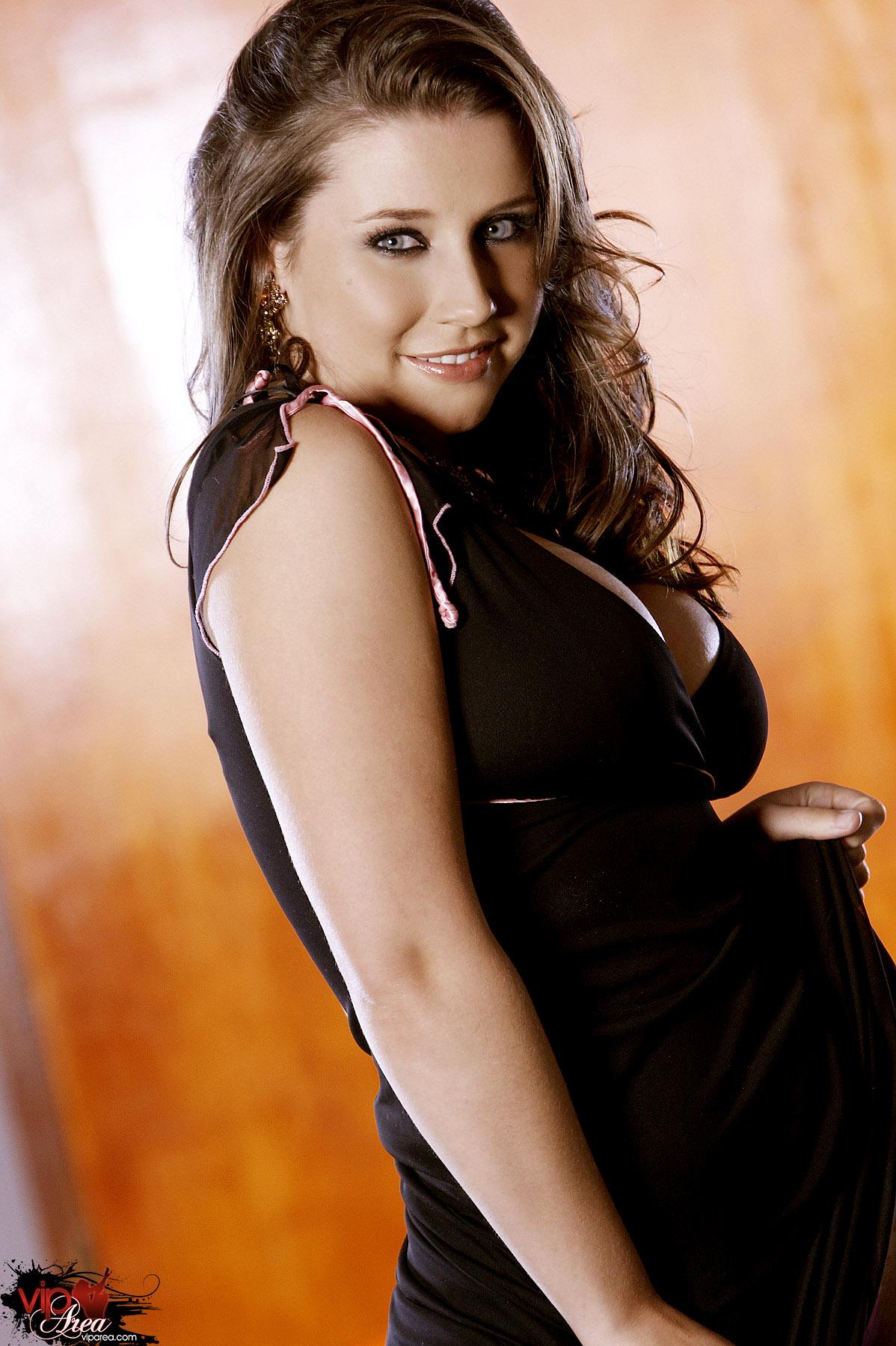Cute latina lesbian porn