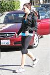 Nov 24, 2010 - Ashley Greene -  Leaving The Gym 5057637_Forum.anhmjn.com-20101126072709004