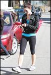 Nov 24, 2010 - Ashley Greene -  Leaving The Gym 5057644_Forum.anhmjn.com-20101126072709011